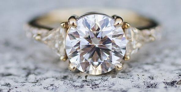 Ready to Sell Your Diamond? 3 Tips to Make It Easy